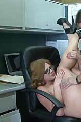 Wet pussy babe gets fucked in the office with her legs up