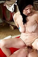 Wrinkly-ass granny riding cock in reverse cowgirl