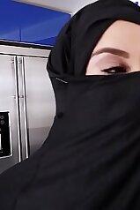 Muslim chick gets fucked in a hardcore POV vid