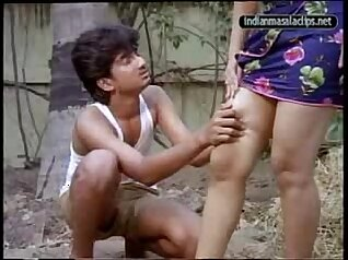 Good-looking Desi amateur sex in the village